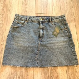 Wild fable denim skirt 14